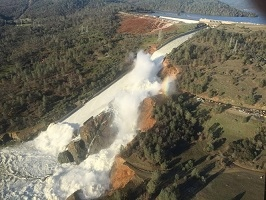 Oroville Dam February 12: further damage to spillway
