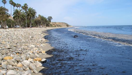 pipeline oil spill at Refugio State Beach Park, California in May 2015